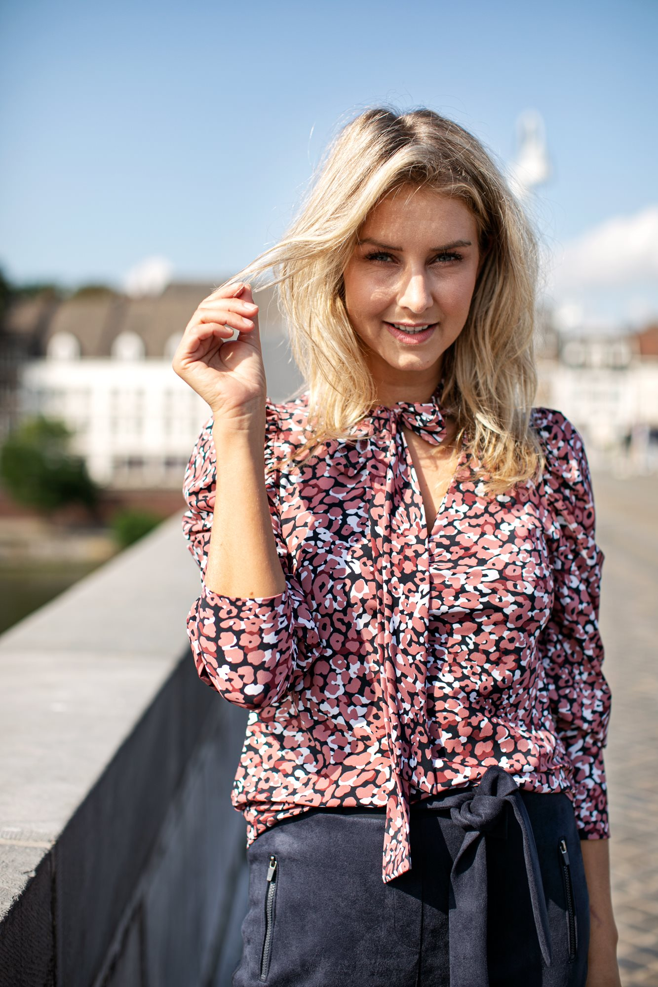 Lina small leo shirt