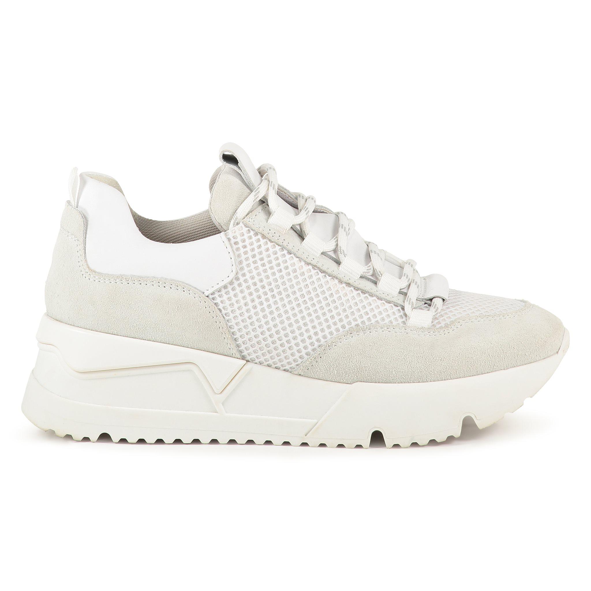 Estelle Sneaker